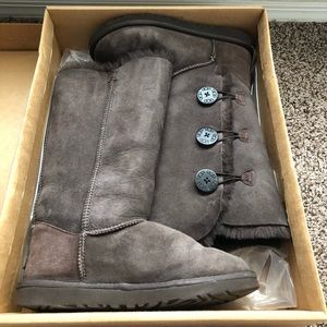 Tall bailey button Ugg boots